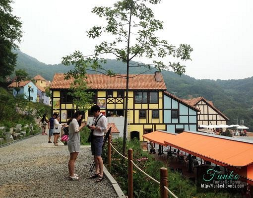 [Dec 1-May 31] Nami Island & Petite France & Strawberry Picking Shuttle Package_10