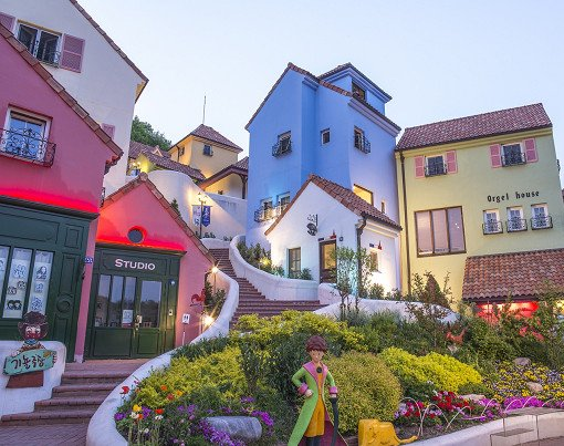[Dec 1-May 31] Nami Island & Petite France & Strawberry Picking Shuttle Package_1