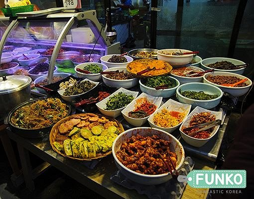 Seochon Tongin Market Food Tour + Korean Rice Wine Tasting