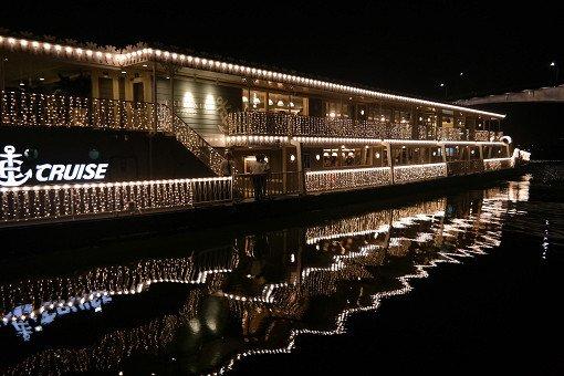 Hangang River Luxury Ferry Dinner Buffet Cruise_16