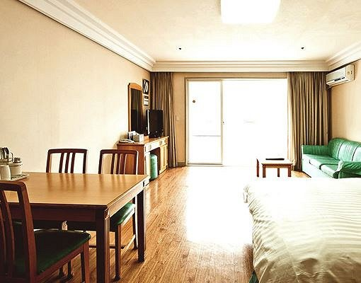 Vivaldi Park Oak Wing Room Reservation