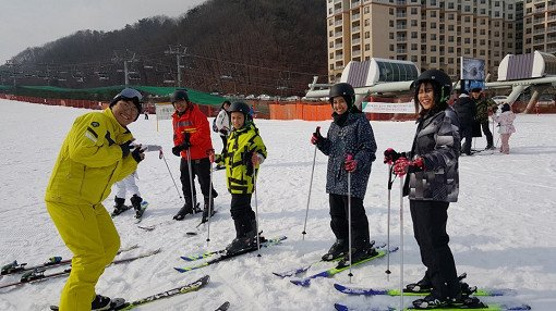 Vivaldi Park One Day Tour - Ski Snowboard Shuttle Bus Package_5