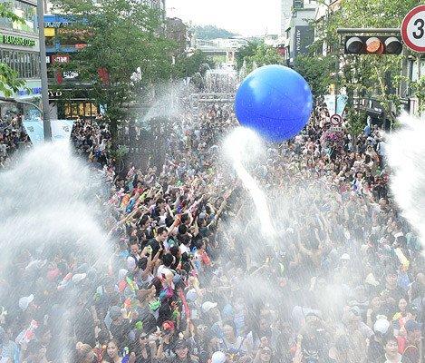 [July 7-8 Only!] 10% Discount!  2018 Seoul Water Gun Festival in Sinchon_5
