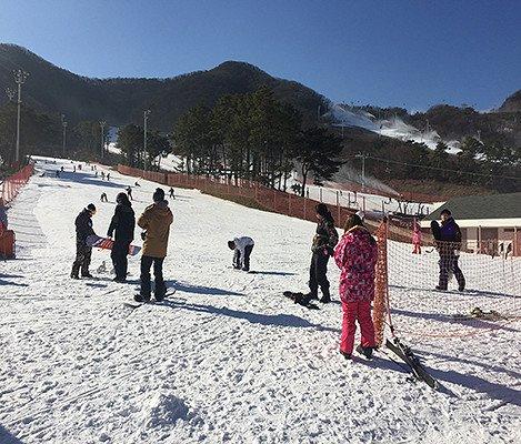 2019 Jisan Forest Ski Snowboard Lesson Shuttle Bus Package_4