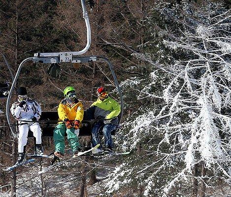 [Dec 10 - Feb 28] Bears Town Ski Snowboard Lesson Shuttle Bus Package_2