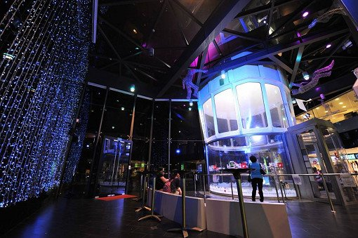 Singapore Indoor Skydiving Tour_3