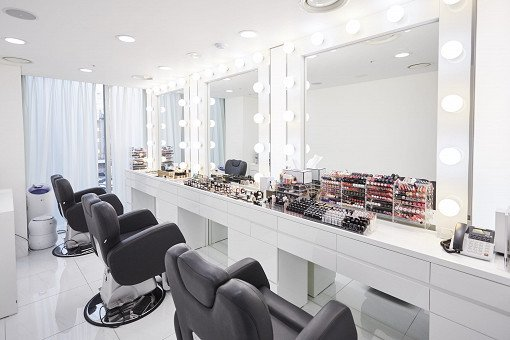 A.H.C. Luxury Hair Styling & Professional Makeup Service_10