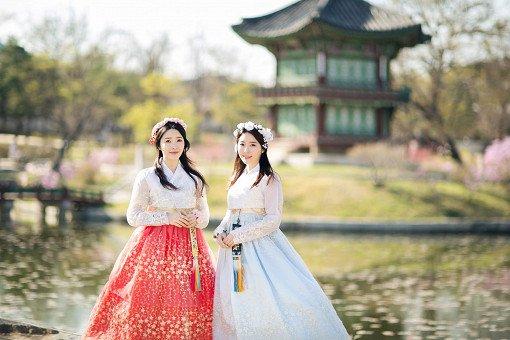 Hanbok Experience & Professional Photoshoot near Gyeongbok Palace_2