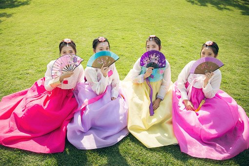 Hanbok Experience & Professional Photoshoot near Gyeongbok Palace_28