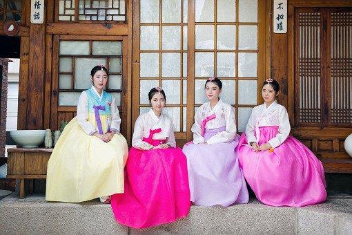 Hanbok Experience & Professional Photoshoot near Gyeongbok Palace_26